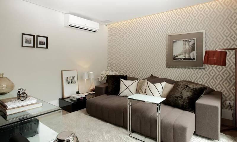 decoração de sala com papel de parede desenho retangular