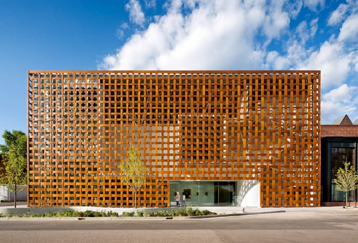 arquitetura-com-revestimento-madeira-natural-prodema-1