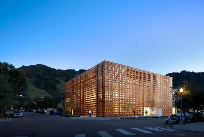 arquitetura-com-revestimento-madeira-natural-prodema-2