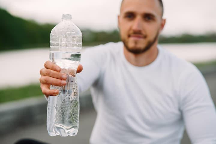 garrafa de agua filtrada